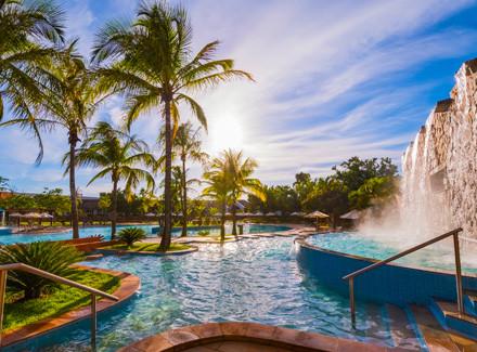 Lins, SP: Resort com Pensão Completa e Complexo Aquático de 2.800 m² | Pensão Completa | Resort, Campo, Viajar com Crianças, Diversão, Termas e Spa, Premiados Zarpo