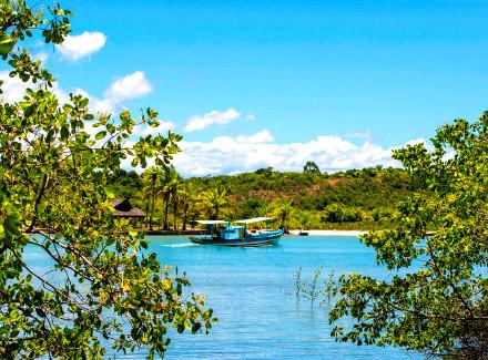 Arraial d'Ajuda, BA: Exclusivo Hotel à beira de praia privativa | Café da Manhã | Viajar a Dois, Praia, Hotel de Charme, Sul da Bahia, Fim de Semana Fantástico