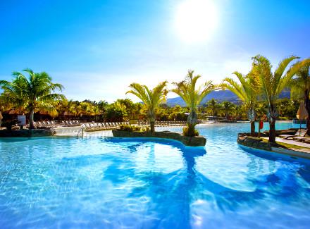 Rio Quente, GO: Hotel com acesso a parques aquáticos e Meia Pensão | Meia Pensão | Créditos Fidelidade, Aéreo É Mais, Resort, Termas e Spa, Diversão, Viajar com Crianças, Novas Ofertas