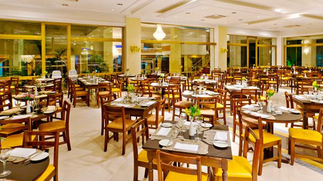 Mavsa Resort - Durante a estada, as refeições são servidas no Restaurante Lac D'or, de gastronomia nacional e internacional.