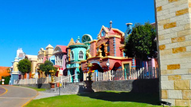 Mavsa Resort - As crianças curtem todas as brincadeiras da lúdica e divertida Cidade dos Sonhos!
